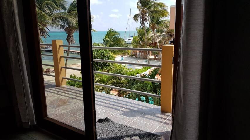 Beach side 1 bedroom condo at beach resort  w/pool