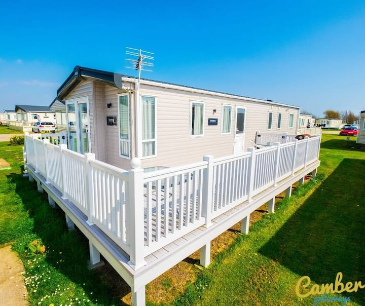 MP639 - Camber Sands Holiday Park - 3 Bedroom / Sleeps 8 - Large gated decking - Close to facilities