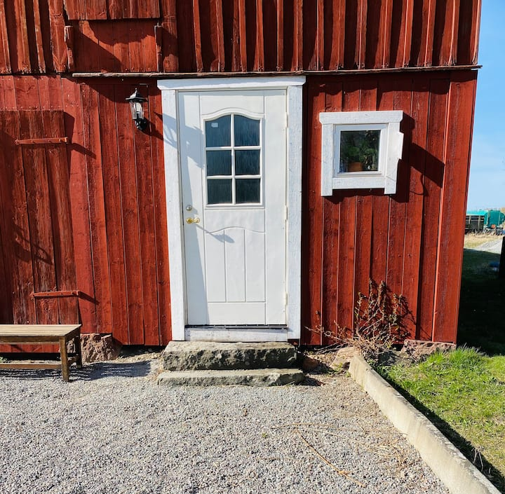 Mysig liten lägenhet på landet