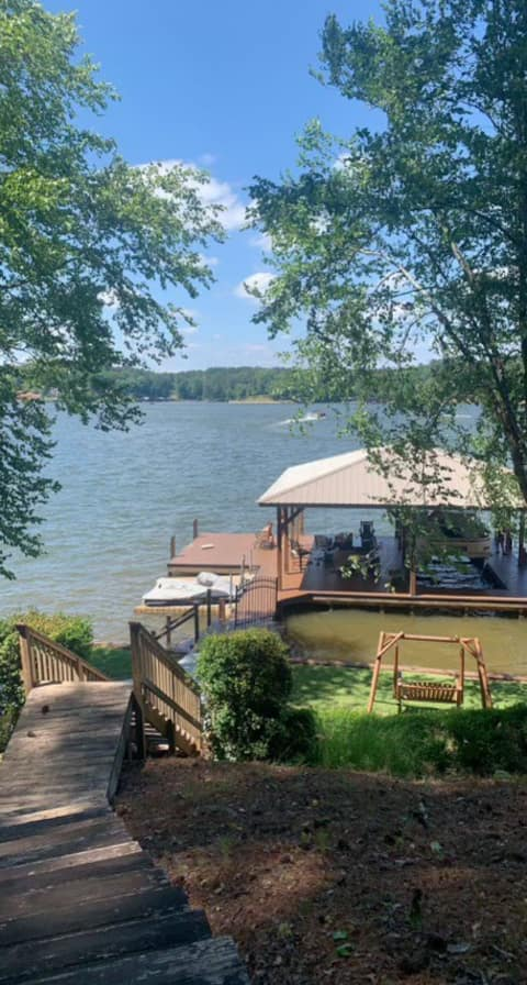 Lakefront vacation home with huge dock