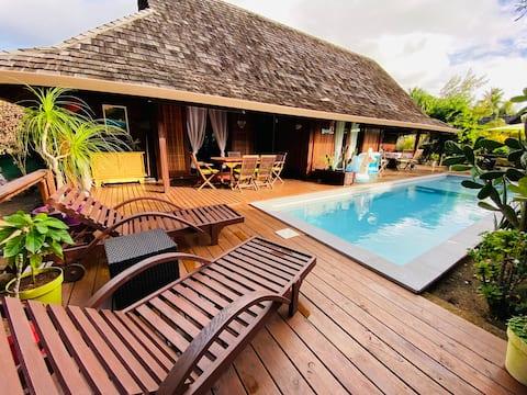 Wood Beach House Moorea, plage privée et piscine