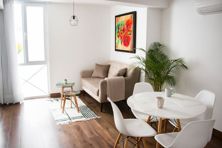 """Feel Local"" - Boutique Apartment in Barranco"
