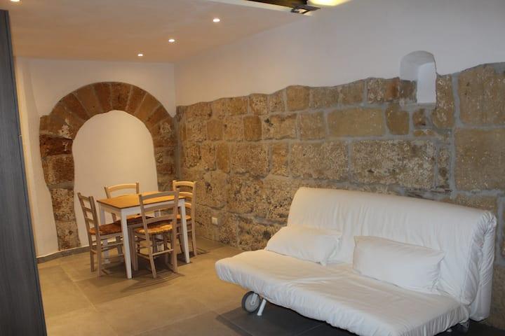 Casa Gambero - Vecchie Scuderie Nelle Antiche Mura