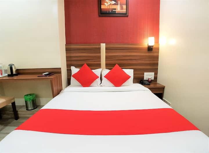 Couple Friendly Spacious Rooms in Mumbai