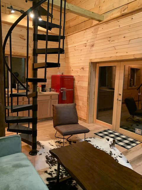 Country Getaway Tiny House in woods w/ Pool Nearby