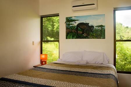 monos room