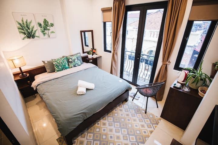 Trần's home-Lovely Balc, heart of old quarter