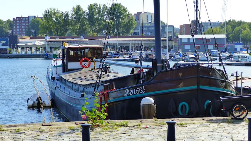 Authentic houseboat with privacy and comfort - Ámsterdam - Barco