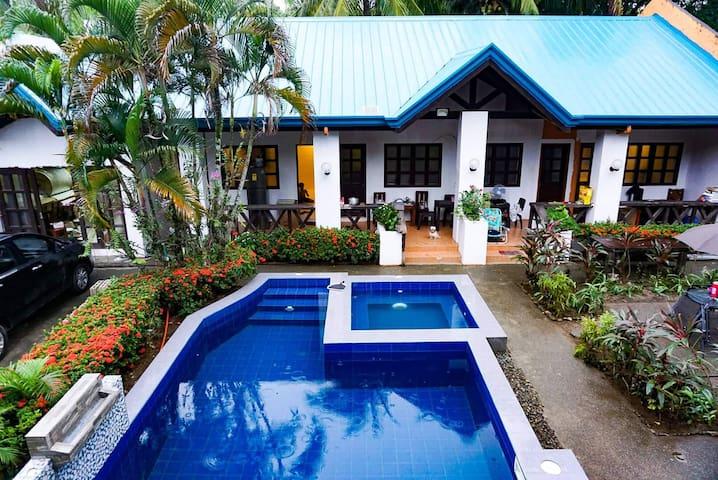 Infanta Coast Private Beach Villas