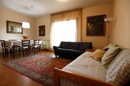 Appartamento POSIZIONE STRATEGICA - Montecatini Terme - Apartamento