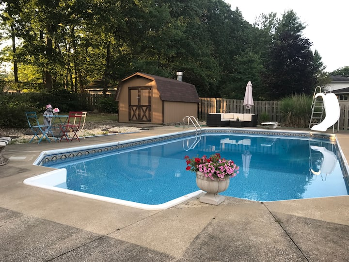 Serenity & Sangria/HEATED POOL OPEN/HOTTUB/FIREPIT