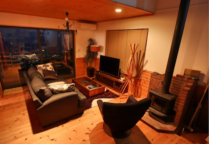 【Fireplace & Hot Spring】Private Log-House in Atami