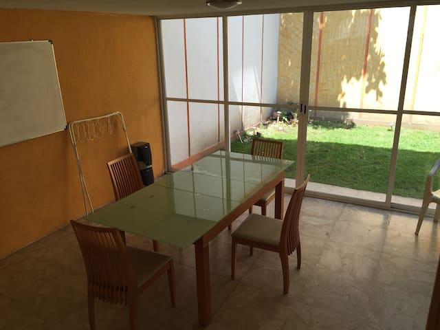 Casa Amueblada 5 Cuartos Vigilancia - Mexiko-Stadt - Haus