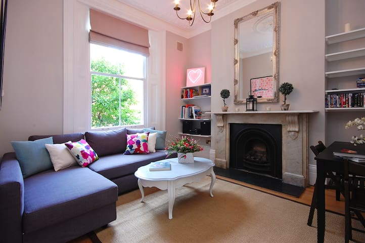 Lovely Raised Ground floor Portobello Road Flat
