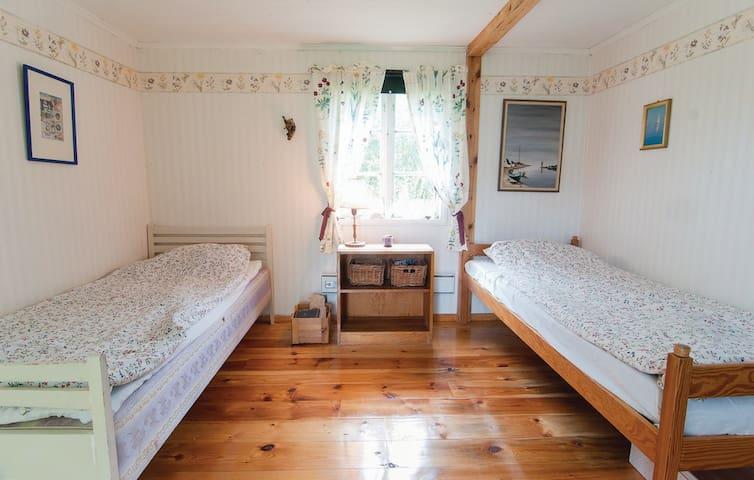 Charmigt hus med annex i Ljugarn - Ljugarn - House