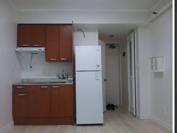 강동역도보1분 / Cozy house