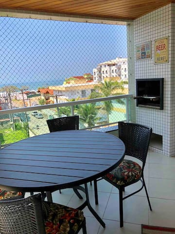 Spacious apartment close to the beach