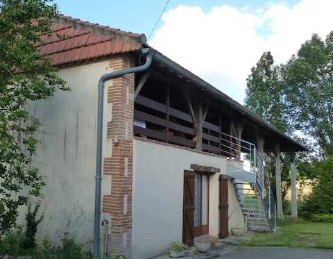 A barn in the heart of the Gers, near Auch