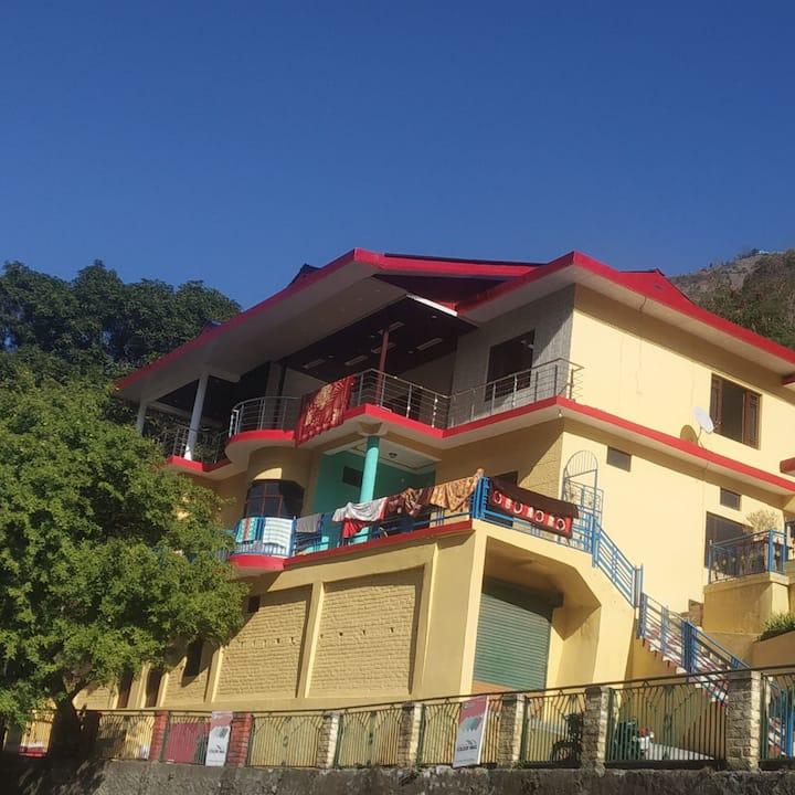 Air Bnb Thakur Niwas, Hostel, Backpackers, Hotel