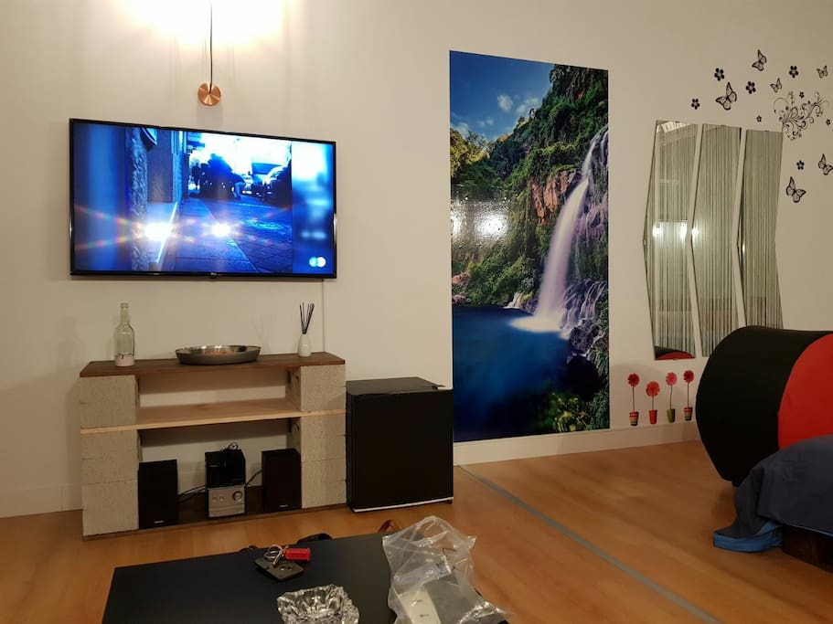 television 50 wifi,netflix, minicadena