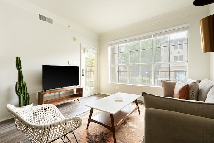 Sonder | South Congress | Calm 1BR + Sleeper Sofa