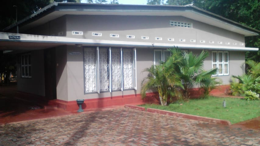"""""""Mathura"""" Home/ Twin room C for rental in Jaffna"""