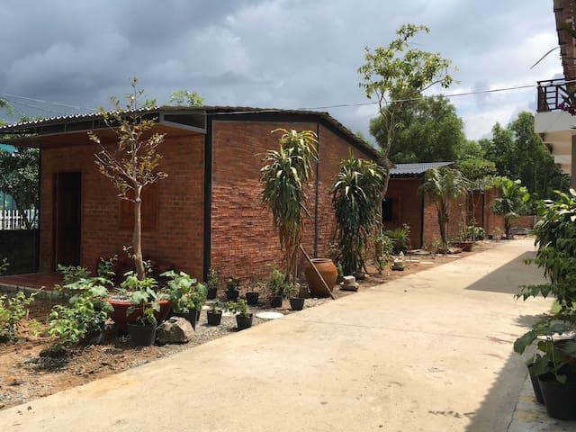 Mina Homestay -Brick house 2
