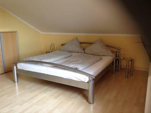 Wohnung für 1-4 Gäste am Donauradweg und VIA NOVA