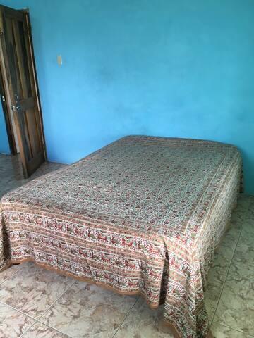 Quiet Rastafarian Guesthouse - Montpelier - Haus