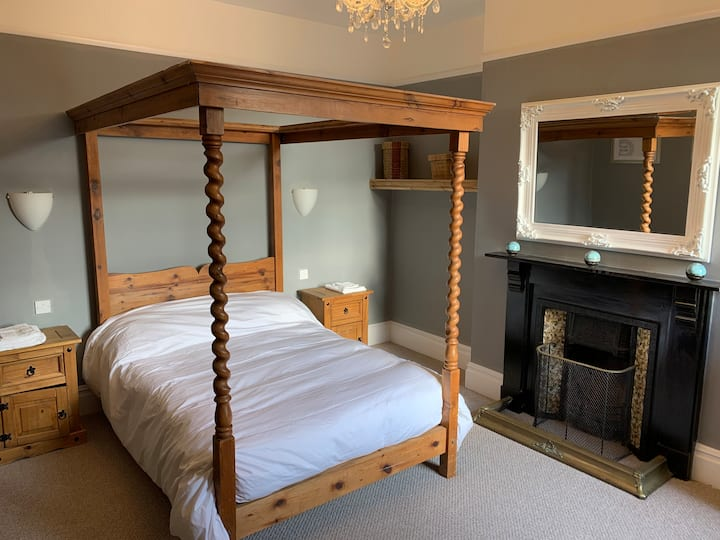 Lansdown House Bed & Breakfast