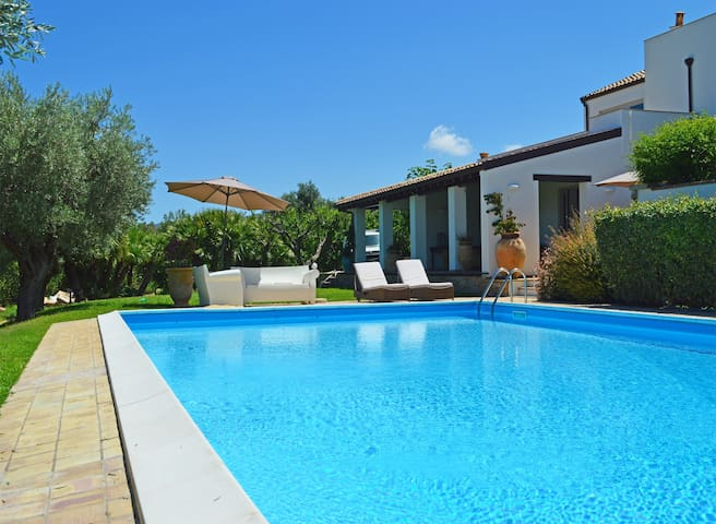 VILLA ENZO - splendid villa in Sicily