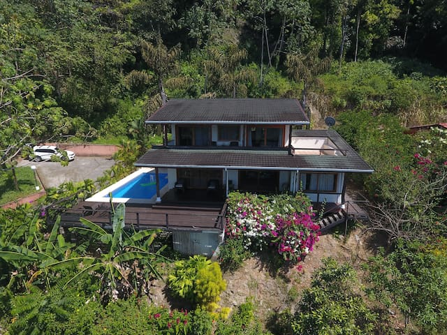 Villa Tulipan, 3 bedroom, ocean view, Pool