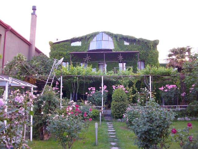 Green House - Mtskheta - Talo