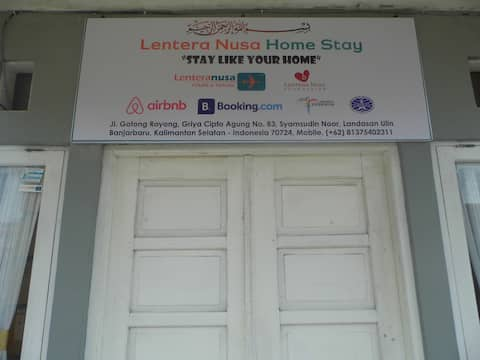 "Lentera Nusa Homestay ""stay like your home"""