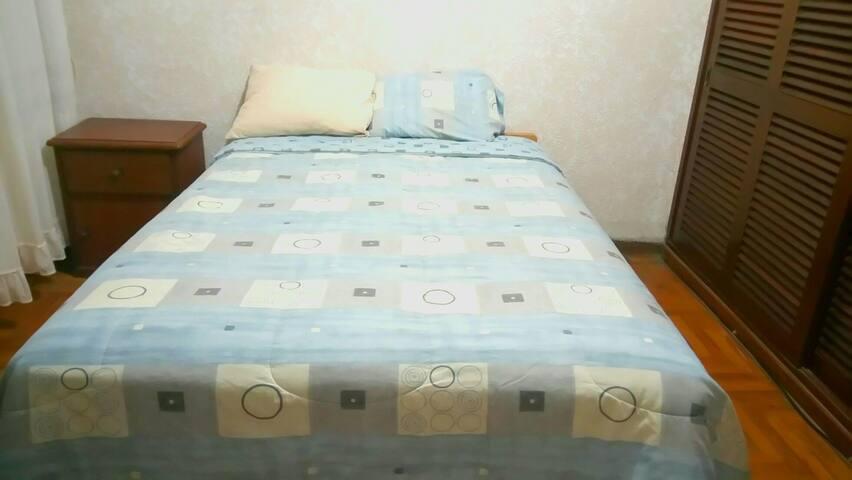 HABITACION EN EL GOLF / NICE ROOM - Distrito de Víctor Larco Herrera - House