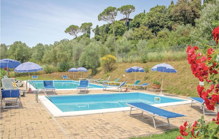 Holiday apartment with 2 bedrooms on 85m² in Casole d'Elsa (SI)