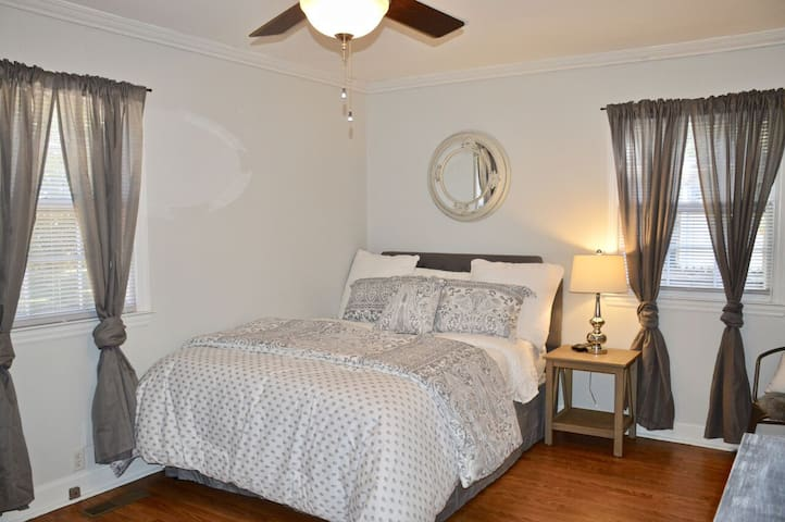"""Bed 2 -  32"""" smart TV and 1/2 bath"""