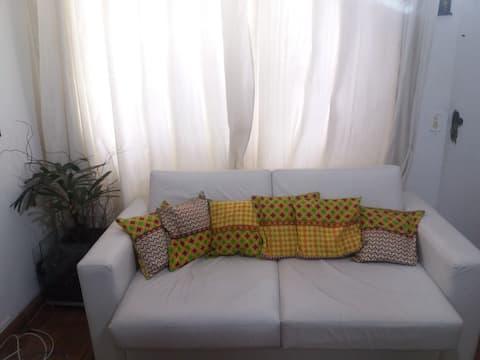 Apartamento bem iluminado, familiar, fácil acesso