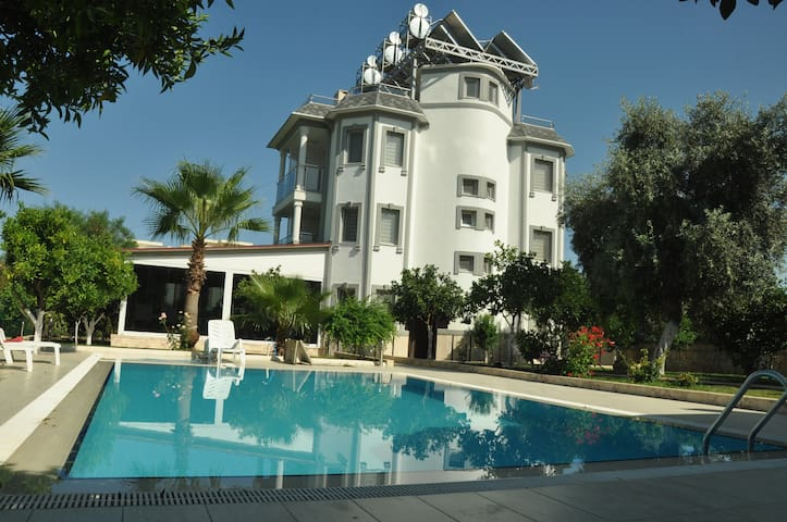 Green Garden Otel - Kemer - Bed & Breakfast