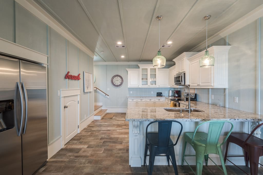Each cottage has a eat up bar as well as a dining area with seating for 8-10