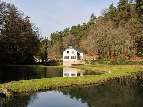 Magnifique maison de campagne entourée d'étangs