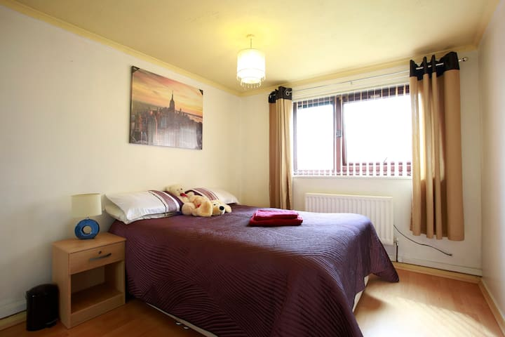 Near Town Centre- Cosy Kingsize bed - Walsall - บ้าน