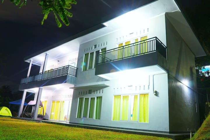 Reiko Villa Bogor