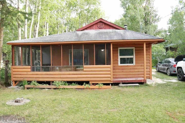 Cottage for rent in Sandy hook, Gimli Manitoba