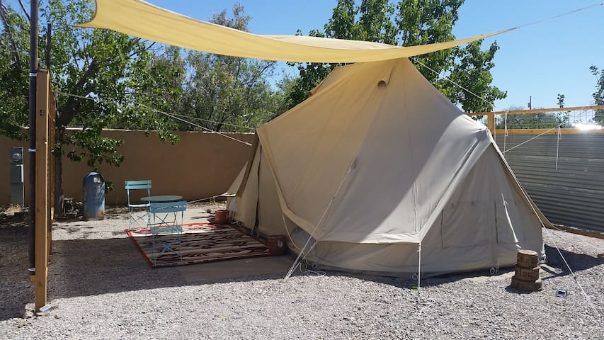 Queen's Landing Safari Tent with Hot Springs
