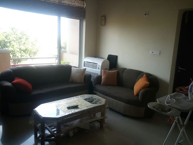 2 BHK apartment  with air conditioned rooms - Yamuna Nagar - Apartamento