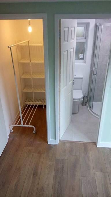 Storage and en-suite.