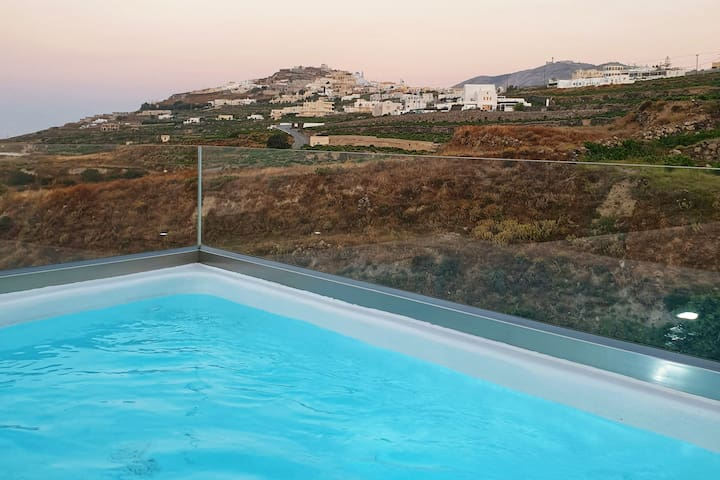 Lithos Houses with private heated jacuzzi