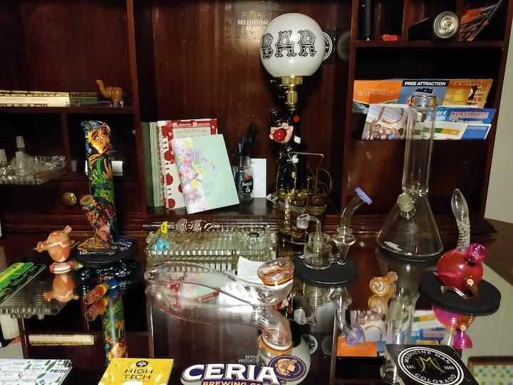 Athenas Indoor420 /Smoker Friendly