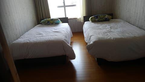 部屋から海が見える 2階1フロワーまるまる貸し。